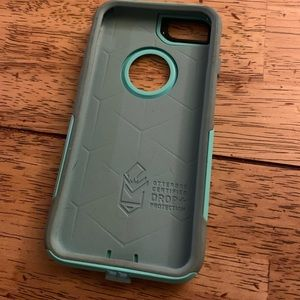 Otterbox commuter case fits iPhone 7&8.
